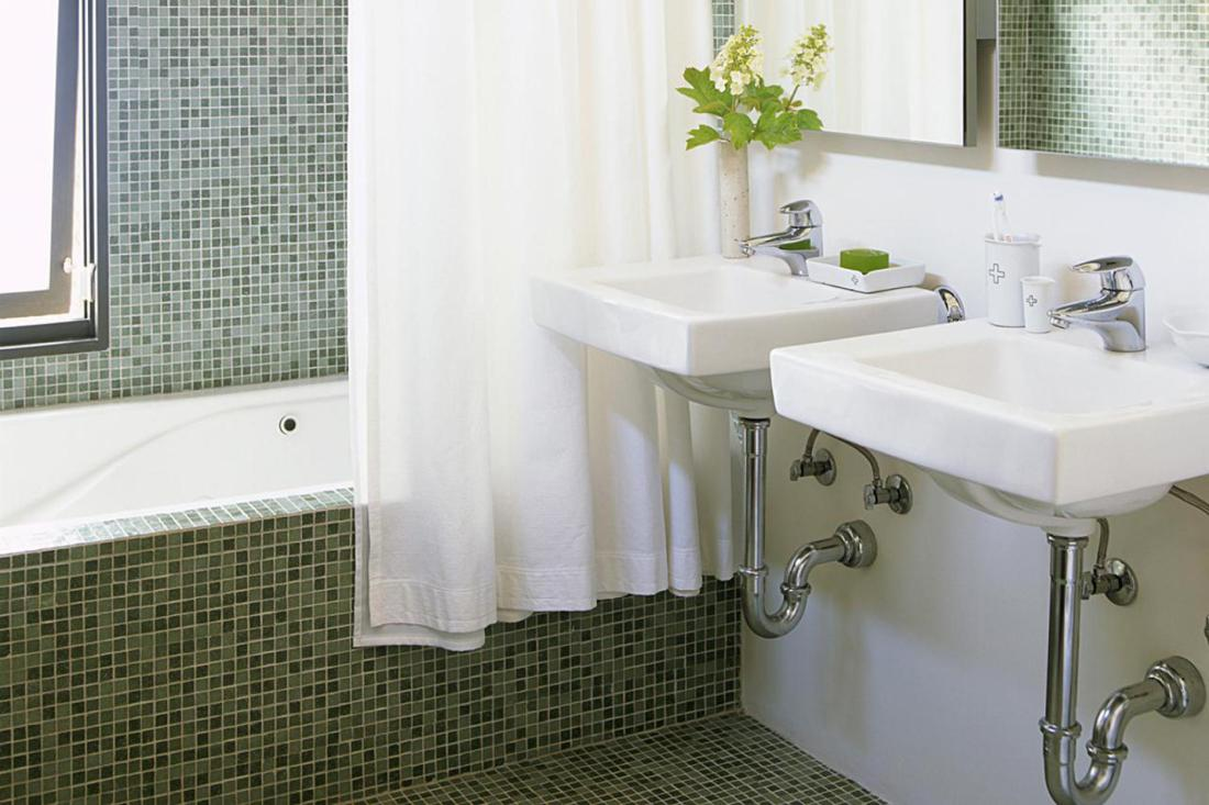 Make Your Small Bathroom Look and Feel Larger