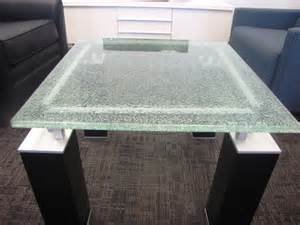 Pros and Cons of Glass Table Tops